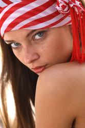 http://img102.imagetwist.com/th/05215/x6qo5w1fr63h.jpg