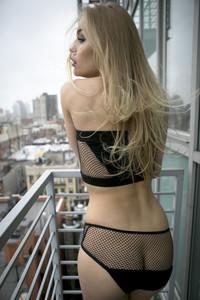 Perry  nackt Brooke Brooke Buchanan