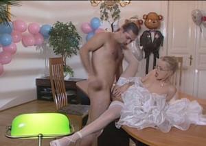seks-v-troem-posmotret-video
